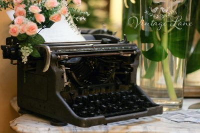 vintage-underwood-typewriter-for-hire-vintage-weddings-ireland-vintage-lane-cork-ireland